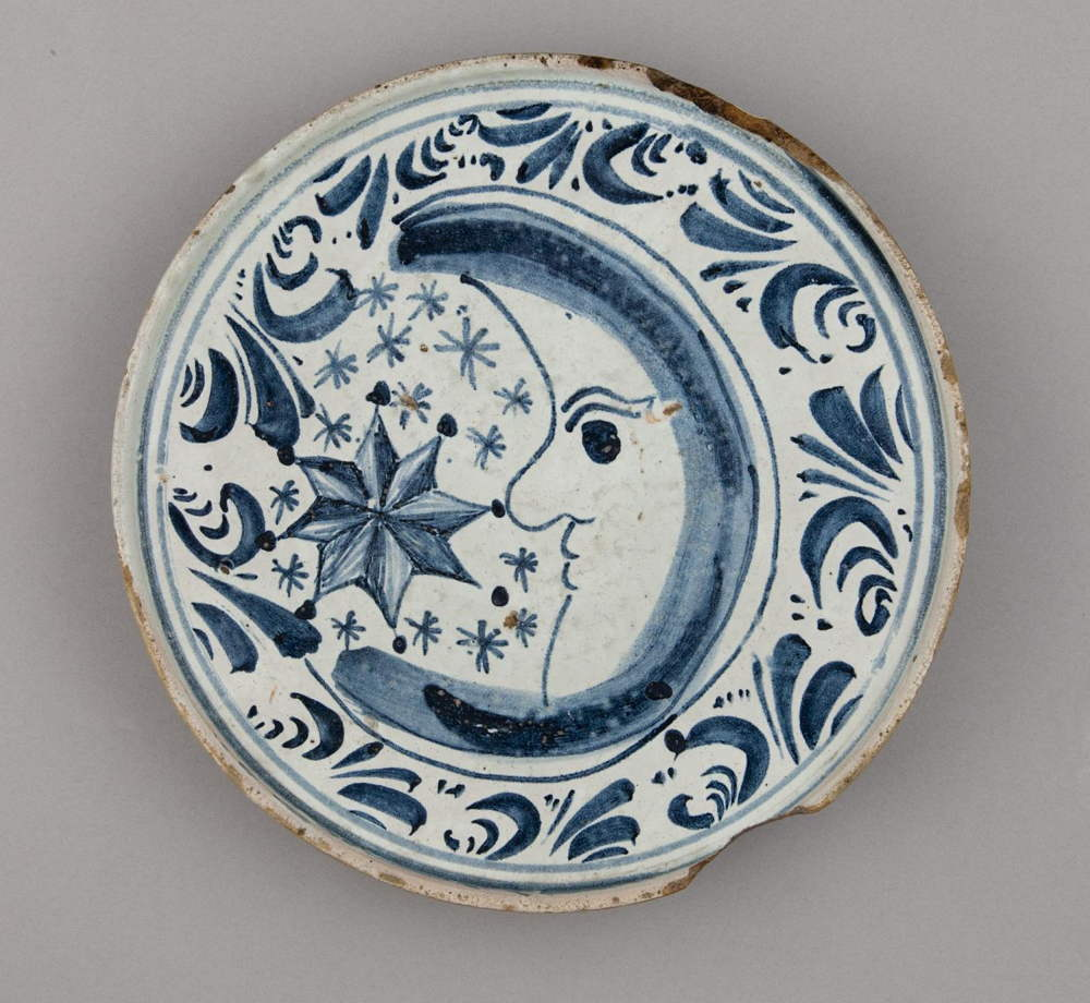 CAG.784 Spanish School, Platter or Tazza, 18th century. © Crawford Art Gallery